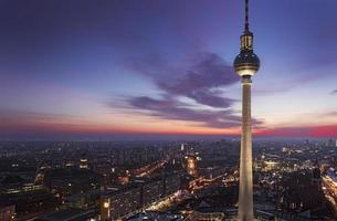 TV-tornet i Berlin på alexanderplatz foto