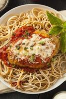 hemlagad italiensk kycklingparmesan foto