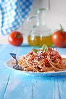 spaghetti med tomatsås foto