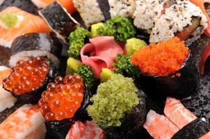 blandade sushi tallrik