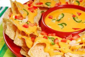tallrik med nachos foto
