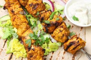 kyckling tikka chapatti wrap foto
