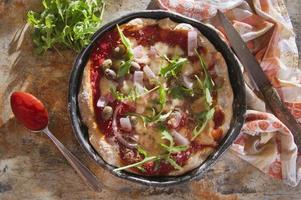 pizza med fullkornsmjöl foto