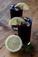 sodavatten och citron foto