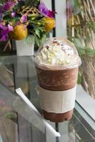 chokladfrappe med vispad grädde