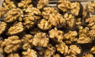 choklad med valnötter foto