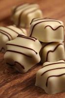 vita choklad foto