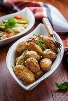 ugnsbakade potatis foto