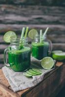 grön juice smoothie foto