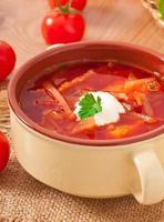 ukrainska och ryska nationella röd soppa-borsch närbild foto