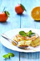 ostmassa souffle med apelsin och vanilj. foto