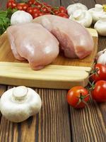 kycklingbröst med grönsaker och spaghetti foto
