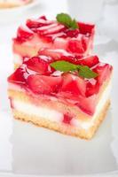 jordgubbar grädde tårta foto