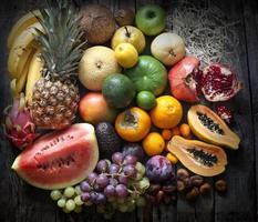 exotiska frukter olika stilleben foto