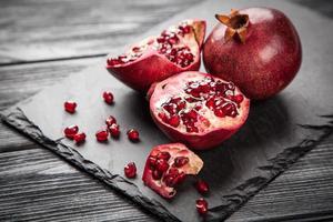 röd juice granatäpple foto