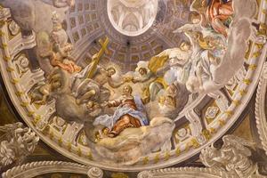 trnava - kroning av jungfru mary barock fresco foto