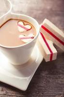 kaffe med hjärtan foto