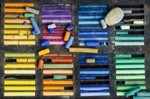 färgade pastellkalk foto