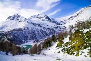 det vackra landskapet i Alperna foto