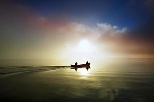 sonset av sjön .. foto