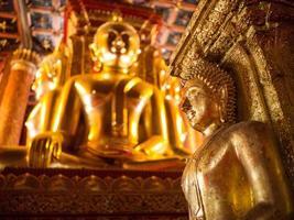 thailändska buddha foto