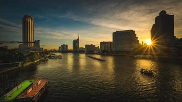 soluppgång i bangkok foto