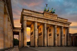 Brandenburg gate i berlin foto