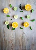 apelsiner och citroner foto