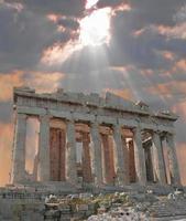 solbrast över akropolen foto