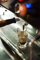 traditionellt espressokaffe och maskin