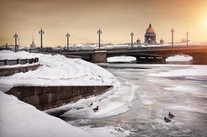 vinter i staden foto