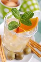 cocktail med citrusfrukter foto