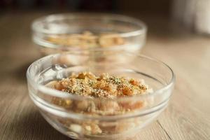 skivad kyckling med kryddor foto