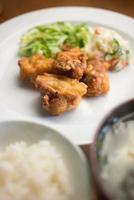 tori no karaage, japansk stekt kyckling foto