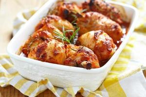 bakade kycklingben foto