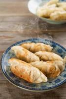 asiatiska skålen stekt klimpar foto