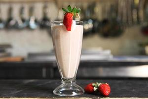 ekologisk hemgjord milkshake foto