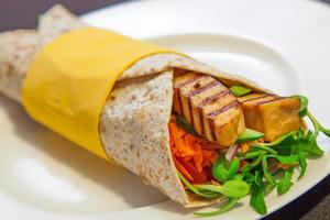 vegetarisk wrap foto