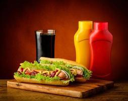 hotdog-meny med coladrink foto