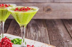 hälsosam drink, grönsakssmoothie foto