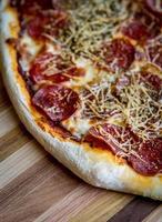 hemgjord pizza foto