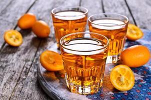 flytande orange foto