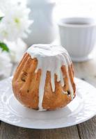 festlig tårta med vit glasyr foto