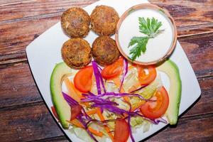 falafel en vanlig form av gatamat foto