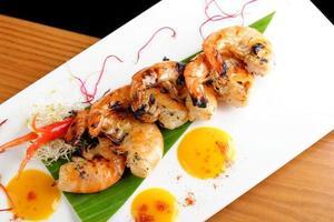 """thailändska fina middagar / färska koriandermarinerade """"svart tiger"""" räkor foto"""