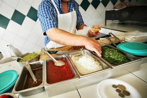 alla ingredienser för att göra taco foto