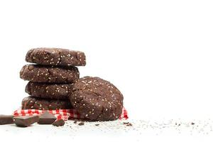 frisk mörk choklad mandel chia frö cookie stack foto
