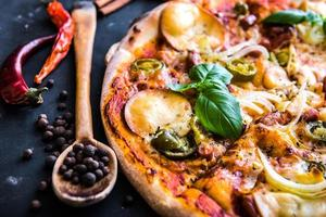 välsmakande pizza