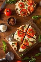hemlagad margarita plattbröd pizza foto