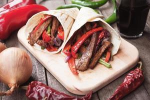fajitas med grillad grönsak foto